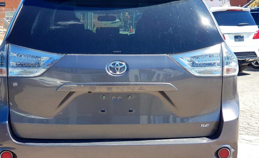 2014 Toyota Sienna SE
