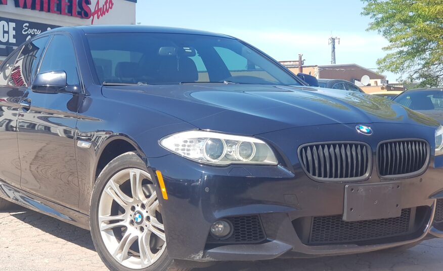 2013 BMW 5 Series 528i xDrive M Package