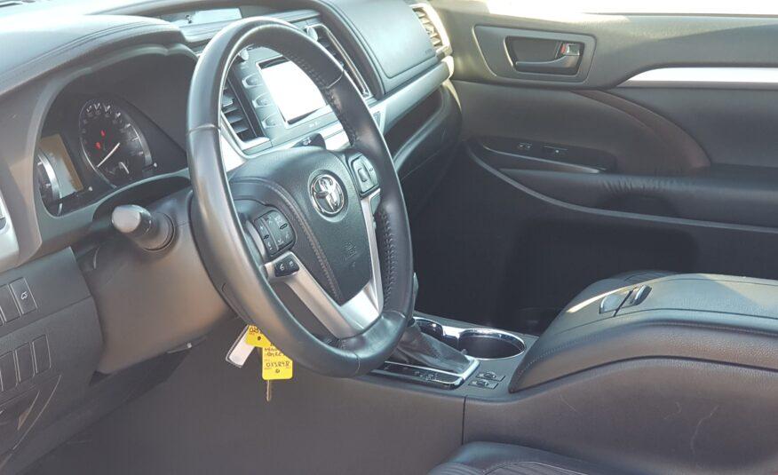 2014 Toyota Highlander LE
